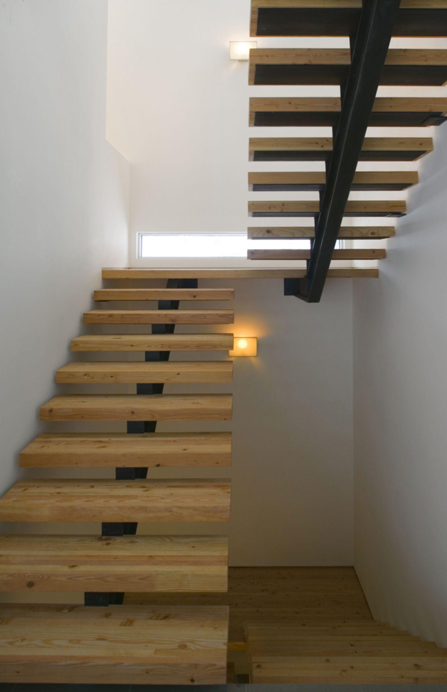 Michael P Johnson Design Studios Ltd Bill Timmerman Ruth Hiller Residence Divisare Escaleras Para Casas Pequenas Escaleras Modernas Escaleras Flotantes