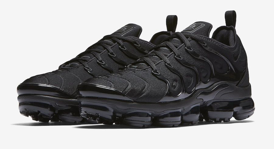 Official Images  Nike Air VaporMax Plus Triple Black  e663c6dc7