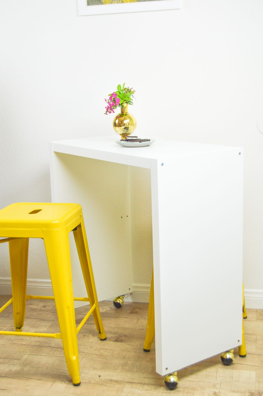 Ikea Küchen Bartisch Diy Rolling Kitchen Island Or Bar Ikea Hack Pops Of Yellow