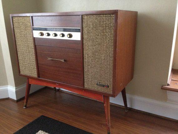 Emerson P-1906 Hi Fi Stereo Cabinet