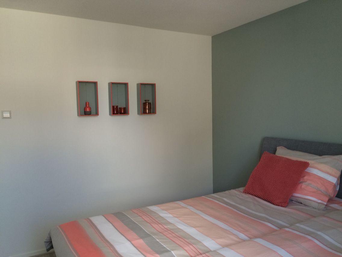 Slaapkamer Muur Kleur : Mijn slaapkamer muur en kistjes geverfd in de kleur early dew van