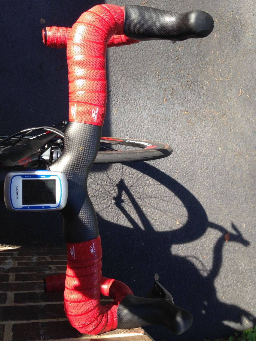 Top view of ONE carbon handle bars.