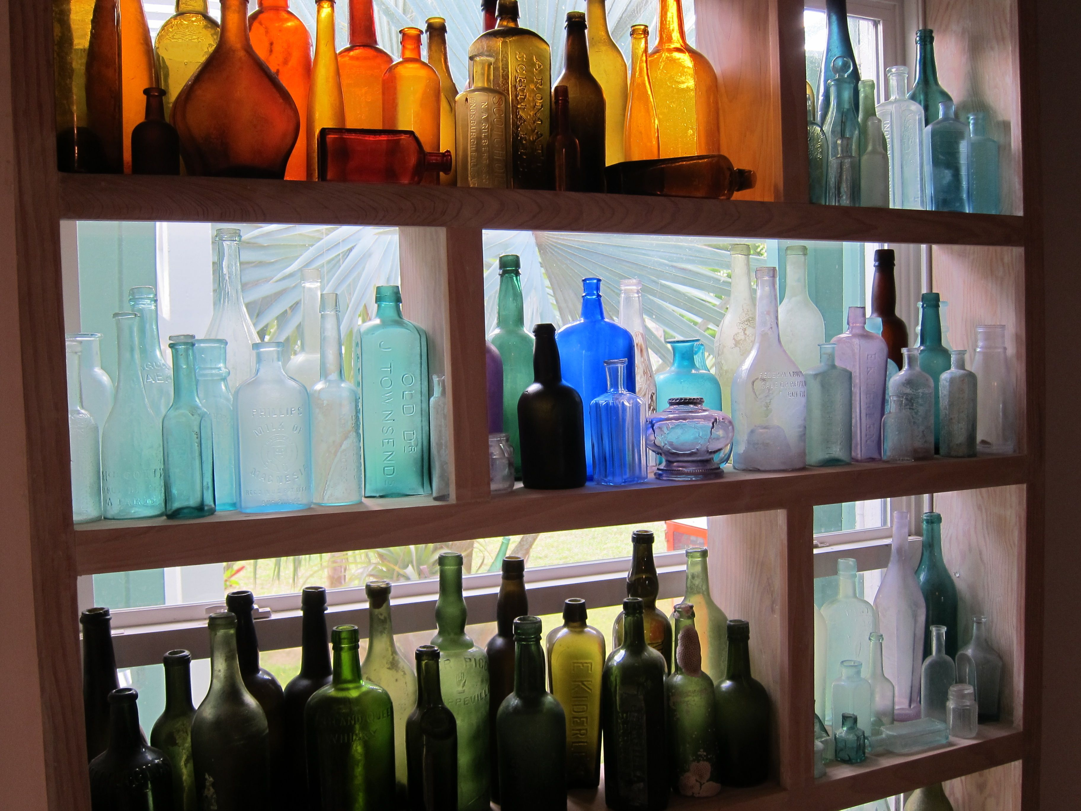 Best 25 Window shelves ideas on Pinterest  Plant window shelf Kitchen window shelves and