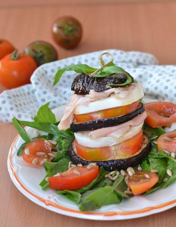 #torrette di #melanzane e #mozzarella #ricetta http://www.mieledilavanda.it/torrette-di-melanzane-e-mozzarella/ ecco l'idea perfetta per un pranzo saporito, leggero e fresco