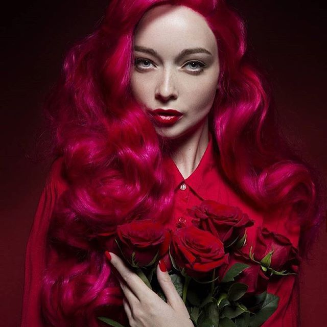Long Pure Big Red Wavy Synthetic Lace Front Wig Gallery
