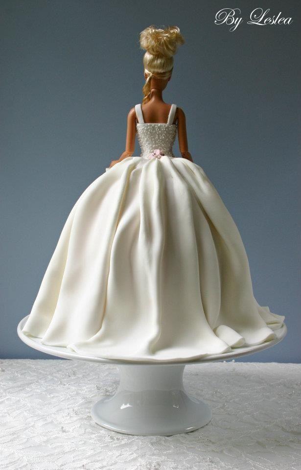 Barbie cake www.hierishetfeest.com