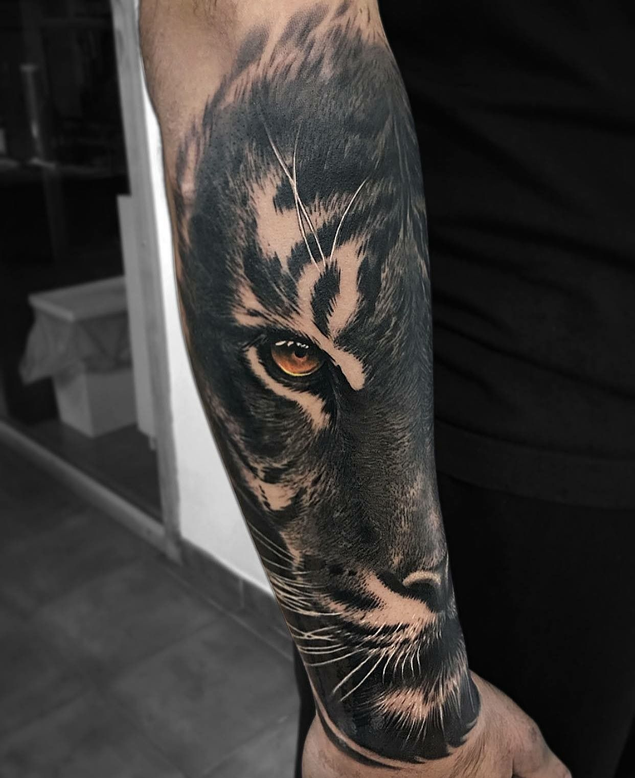 Pin By Canan Berker On Tattoo Etc Line Tattoos Fine Line Tattoos Geometric Tattoo