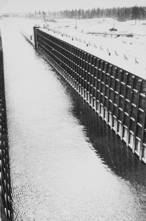 Alexander Rodtchenko - The Lock of the Belomor channel, 1933. S)