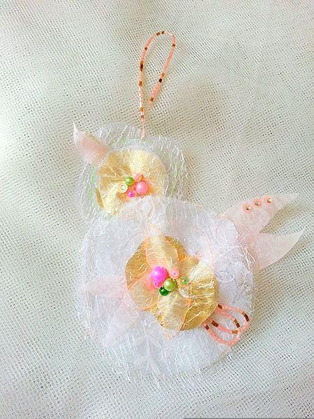 Brautschmuck - Stoffblümchen als Brosche oder Haarschmuck 2-er - ein Designerstück von Diamant-Shop bei DaWanda