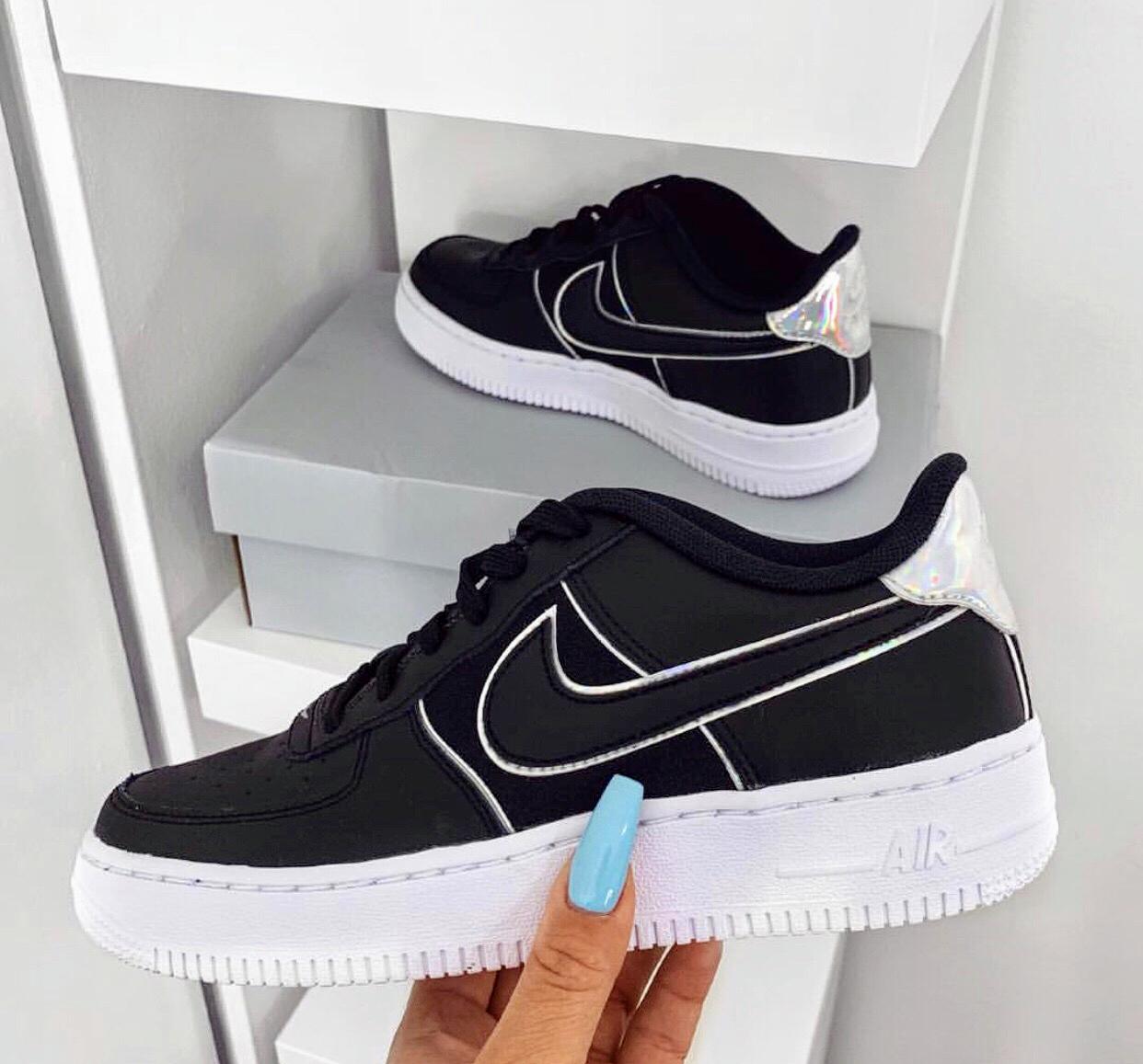 Nike Air Force Feminino: branco, preto e mais