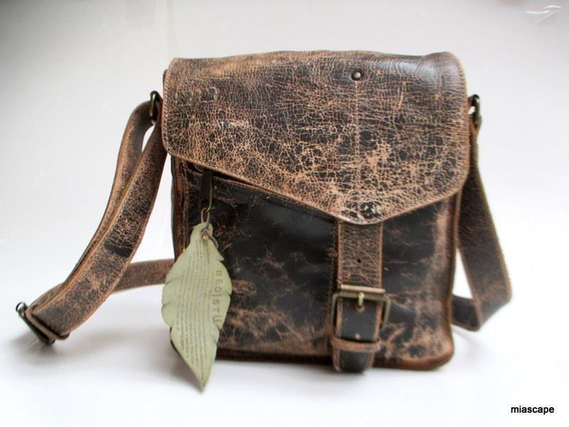 1e369f34052 BED STU Venice Beach Teak Lux Cross Body Bag Buckle Leather Purse Handbag  EUC! #BedStu #Crossbody
