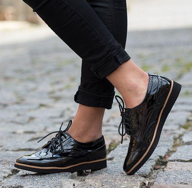 Polbuty Damskie Czyli Atrybutkazdej Eleganckiej Kobiety Ccc Women Shoes Shoes Footwear