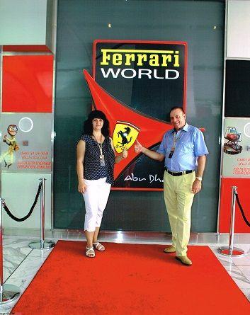 Nuestro ganador del viaje VIP a AbuDhabi y su esposa @GrandesLoterias