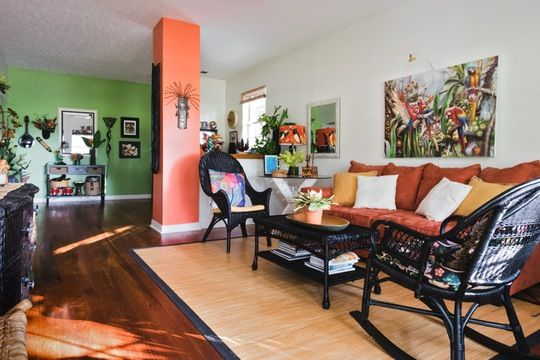 A Bold And Bright Home That S Big On Tropical Vibes Bright Homes Home Tropical Vibes