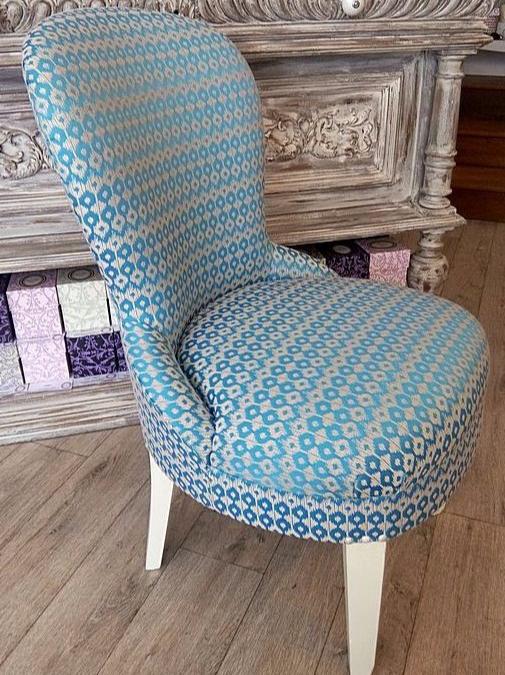 Les belles assises juin 2016 recouverture d 39 un fauteuil crapaud et d 39 un fauteuil douillette - Meubles blancs vieillis ...