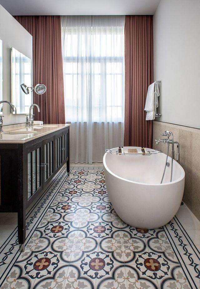 Salle de bains avec carreaux de ciment | Décoration intérieure ...