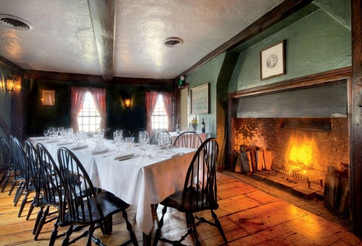 5 Best New England Restaurants With Fireplaces New England Travel New England Restaurant Fireplace