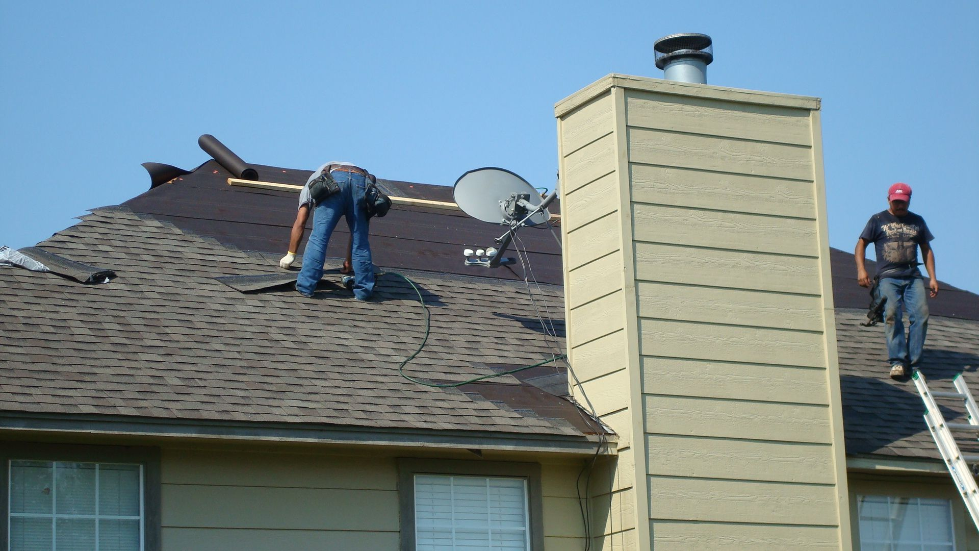 The Best Ways To Find The Best Roofing Company Roofing Services Roofing Contractors Roof Repair