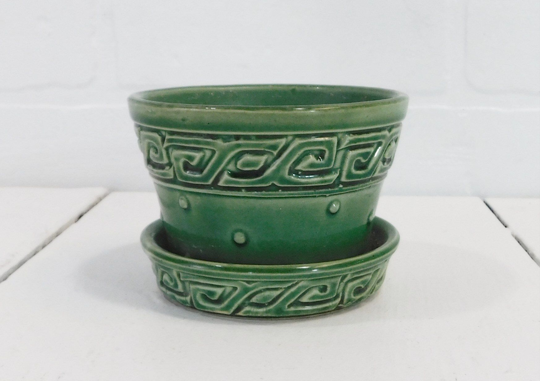 1950/'s Small Green McCoy Basketweave PlanterFlower Pot with Attached Saucer
