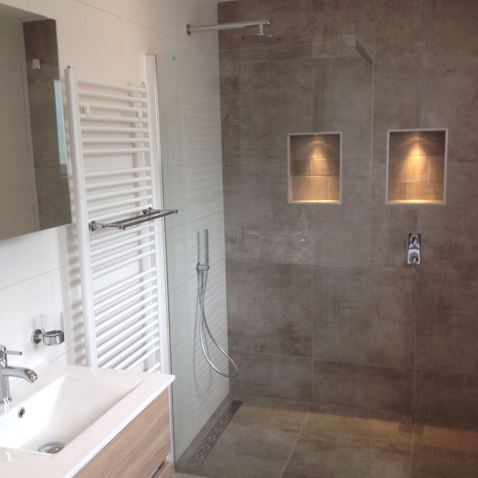 de badkamer voor de familie sijtsma heeft een natuurlijke