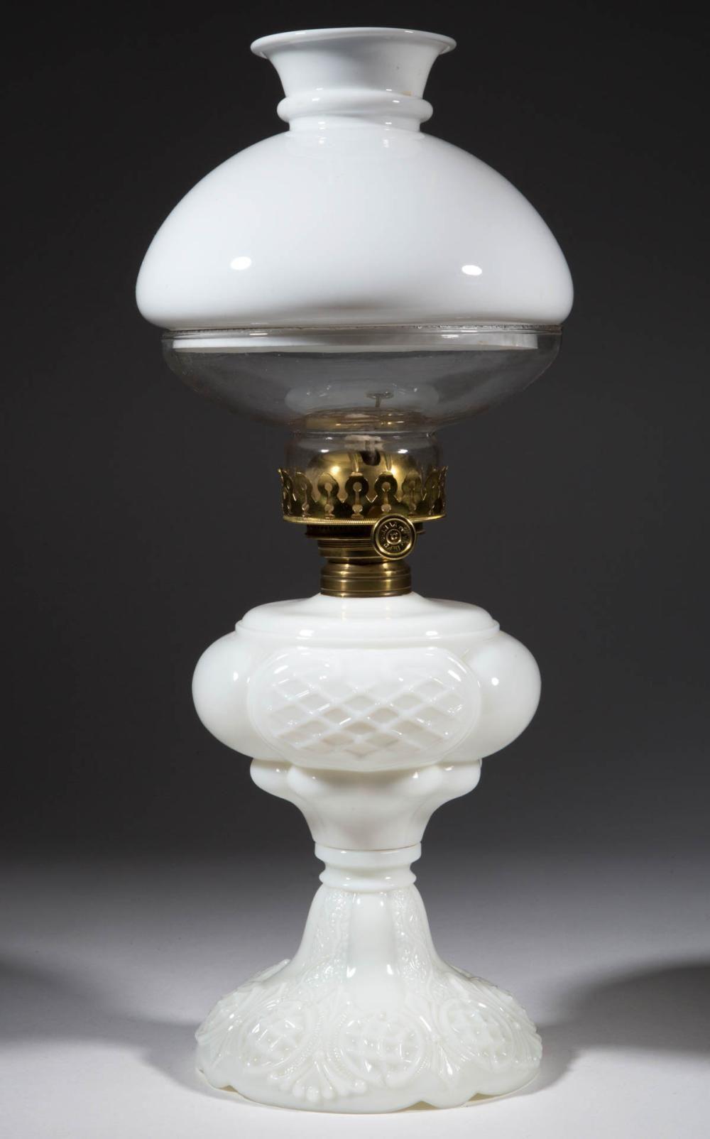 Prince Edward Kerosene Massive Stand Lamp Oillamp Light Lighting Lamp Antique Lamps Oil Lamps