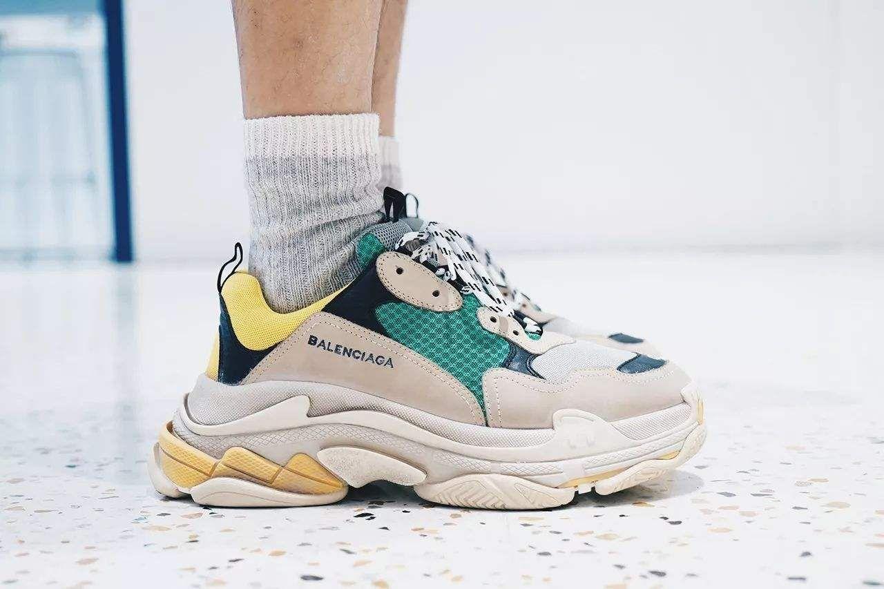 d6d5e7869c54 Nuovo Scarpe Balenciaga Triple S Sneaker Saldi Online Saldi ...