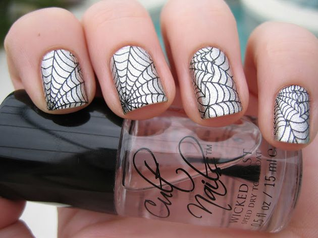 Pictures : Halloween Nail Art Inspiration - Silver Spider Web Nail Art - Pictures : Halloween Nail Art Inspiration - Silver Spider Web Nail