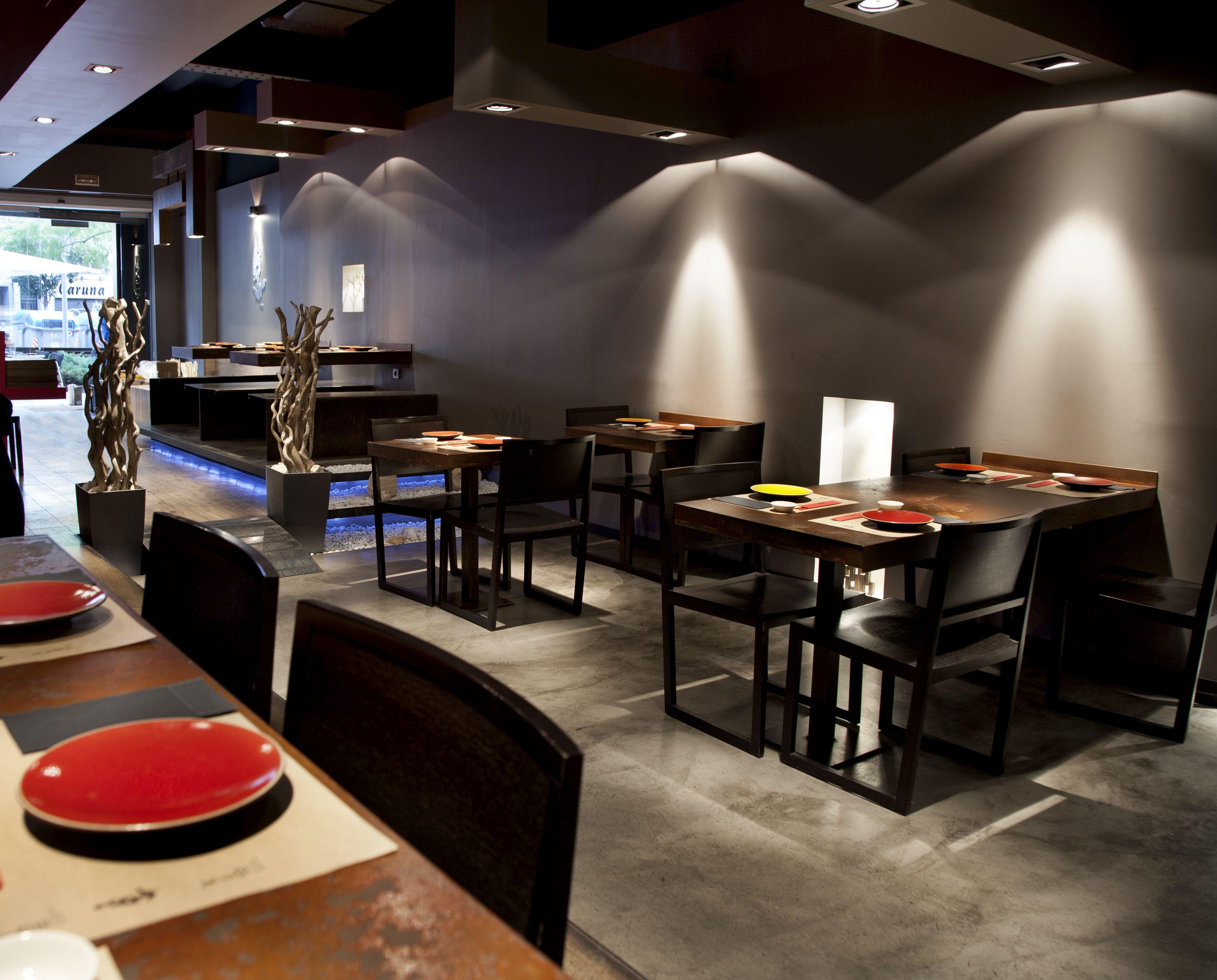 Interior restaurante nomo by estudijosepcortina local de ambiente moderno y cosmopolita pero - Interiores de restaurantes ...
