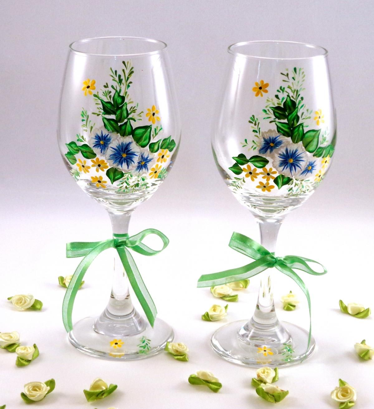 Painted wine glasses with flowers wine and glass for Type of paint to use on wine glasses