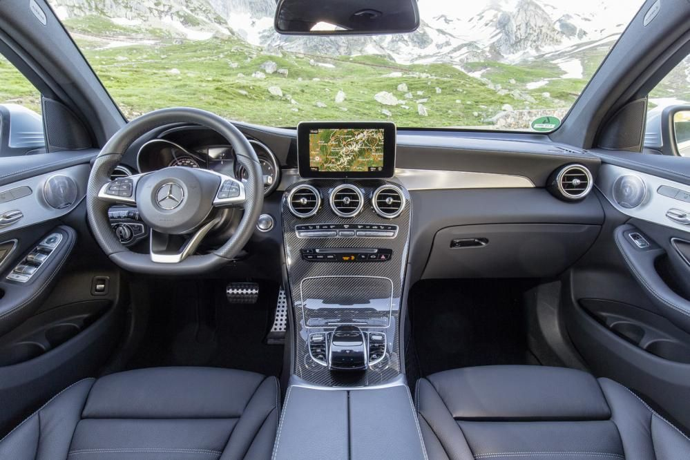 Mercedes Benz Glc Coupe First Drive Dizajn Salona Avtomobilya