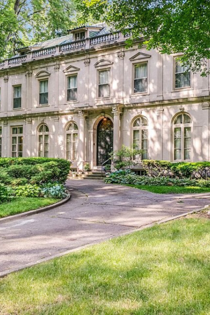 1913 Mansion In Detroit Michigan Captivating Houses Mansions Mansions For Sale Old Mansions
