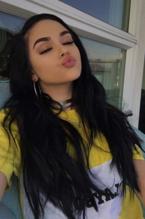 Grafika Maggie Lindemann Girl And Hair P R E T T Y G I R L S