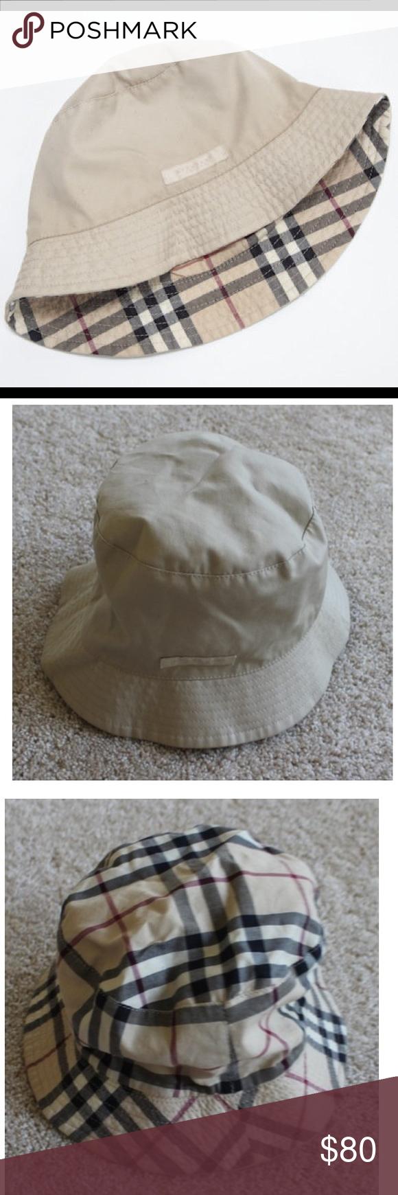 490c6ea7956 Burberry hat - reversible. Burberry hat - reversible! Tan and multicolor  canvas Burberry Reversible bucket ...