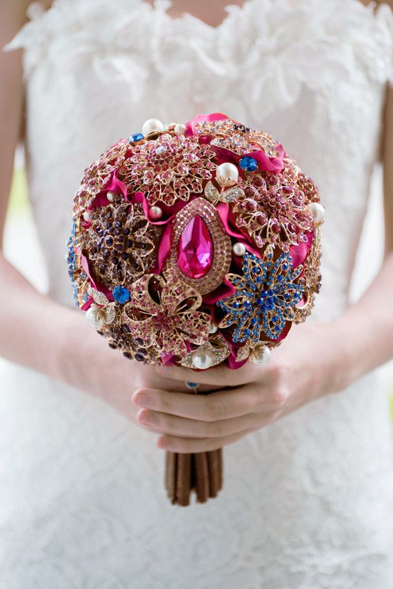 DIY Brooch Bouquet Kit 15 Brooches Broach Gold Red by Mlleartsy ...