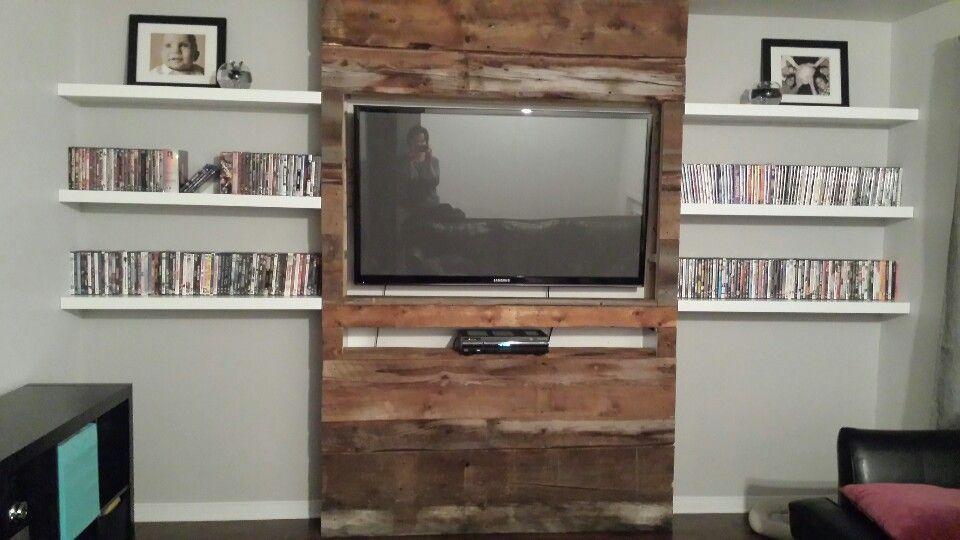 meuble mur bois de grange sous sol house design living room room. Black Bedroom Furniture Sets. Home Design Ideas