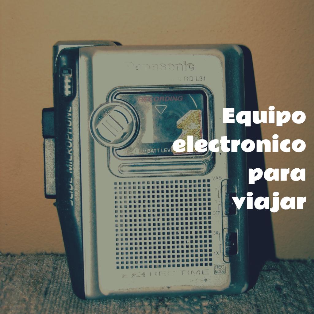Todo el equipo electronico que necesitas par poder viajar, cables, llaves usb, tablets, para que no te pierdas en la era de la comunicacion