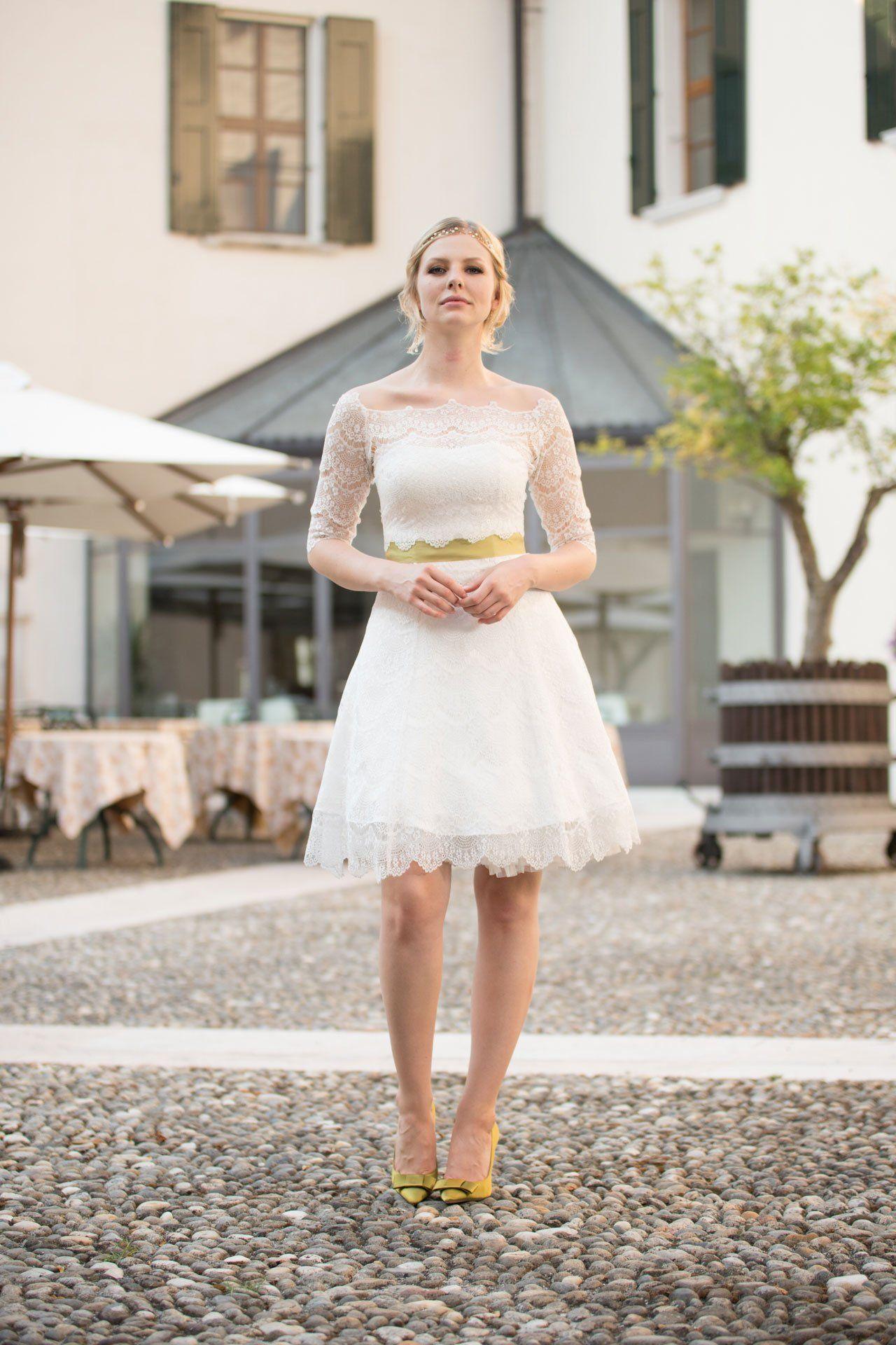 Unser Brautkleid mit Petticoat und passendem Spitzenbolero ...
