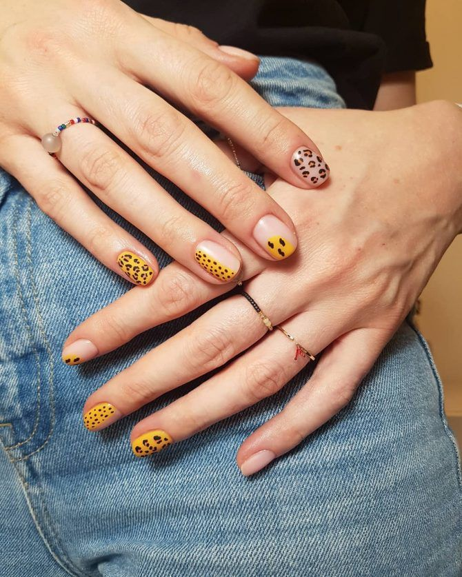 14 – Minimalist Nail Art Designs. #nails #nailart #nailpolish  #naildesigns #nailartdesigns  #beautifulnails  #beautifulnaildesigns  #nailcolors #nailcolorsfordarkskin  #naildesignart  #naildesignideas  #naildesigntips  #naildesignphotographs  #naildesign2019