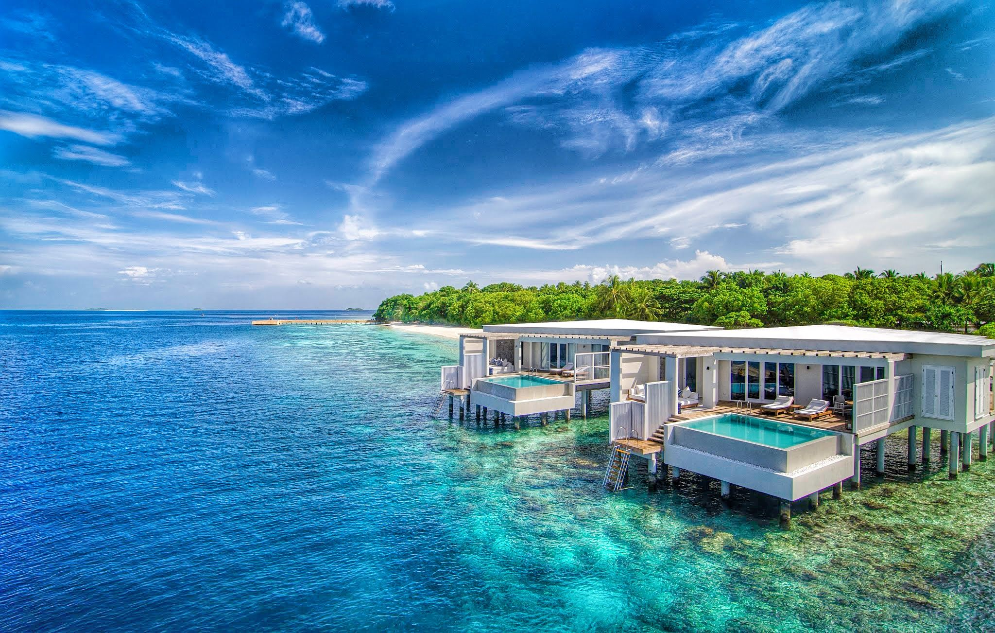 Located in the UNESCO World Biosphere Reserve of Baa Atoll, one of the 26 natural atolls in the Indian Ocean, Amilla Luxury Resort in the Maldives is offering you a choice of island homes that hover over crystal clear waters