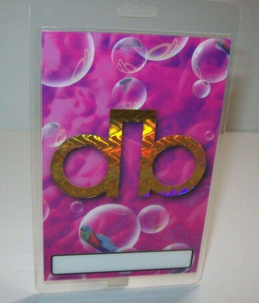 David Bowie Outside Backstage Pass Original 1995 Pop Rock Gift Db Bubbles Pink In 2020 David Bowie Outside Rock Gifts Pop Rocks