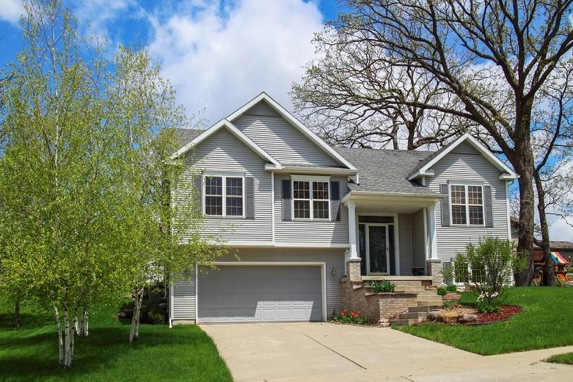 Types of Split Level Homes - bi level or split foyer in ...