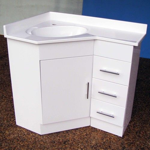 11 Interesting Corner Vanities For Small Bathrooms Snapshot Ideas Interior Design Ideas By Naspa Corner Vanity Corner Vanity Unit Corner Bathroom Vanity