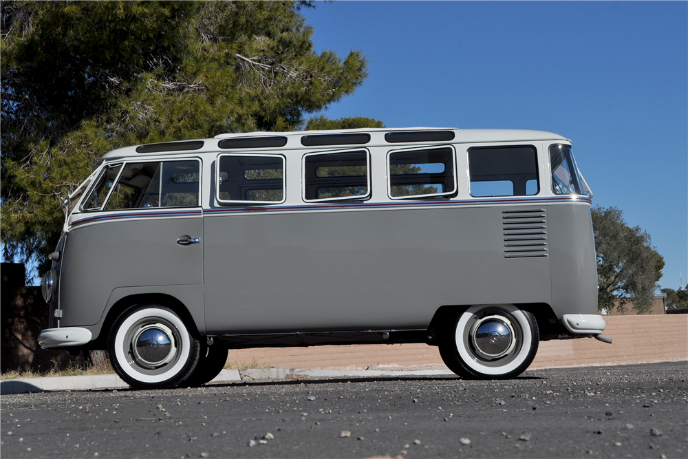 1960 VOLKSWAGEN 23 WINDOW BUS