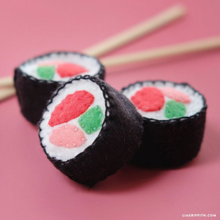 Felt sushi template to make diy cat toys play food for Felt cat toys diy
