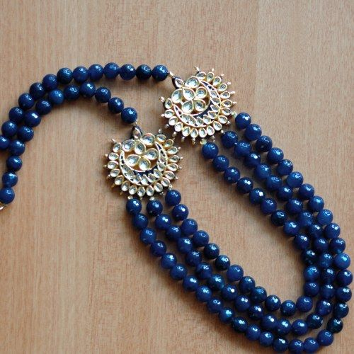 Blue agate kundan necklace by Urban Pari