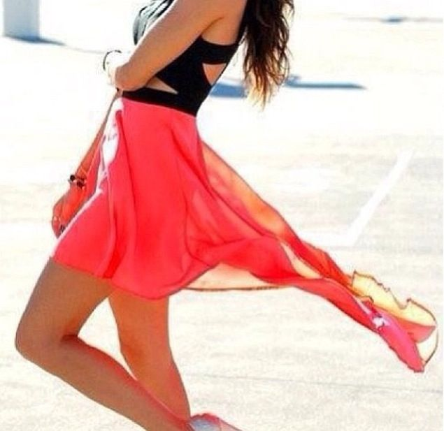 Beautiful hi lol dress with cutouts
