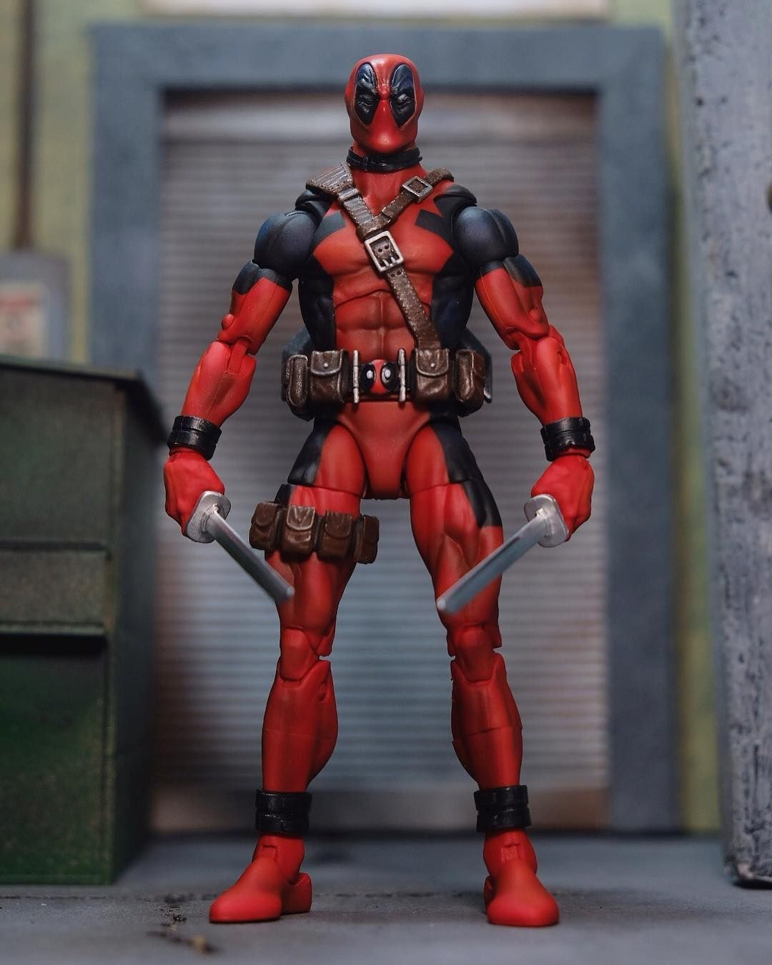 Joshua Adrian Aristoza On Instagram Custom 90s Deadpool Repaint And Mods This Project Was A Repaint Of The Marvel Legends 90s Figuras De Accion Figuras De