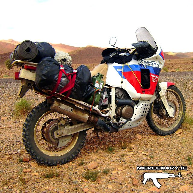 honda xrv 750 africa twin rd04 1990 moroccan sahara desert africa twin pinterest honda and. Black Bedroom Furniture Sets. Home Design Ideas