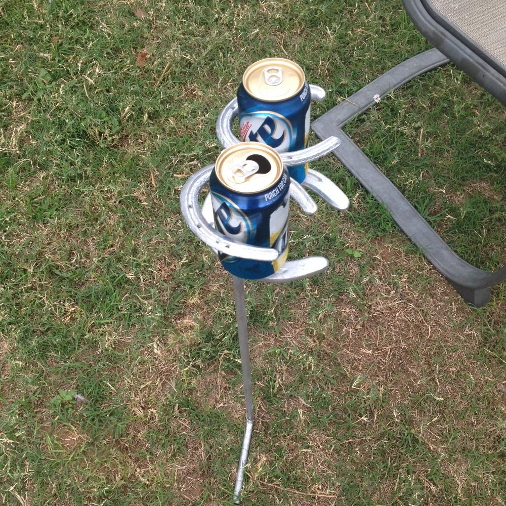 I'm selling Horse shoe Yard drink holders.