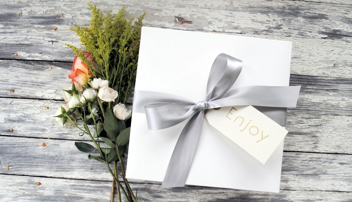 The perfect welcome gifts personalized for you! Hosting an event in ...